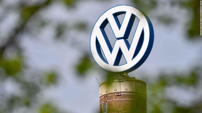 Volkswagen apologizes for racist advert
