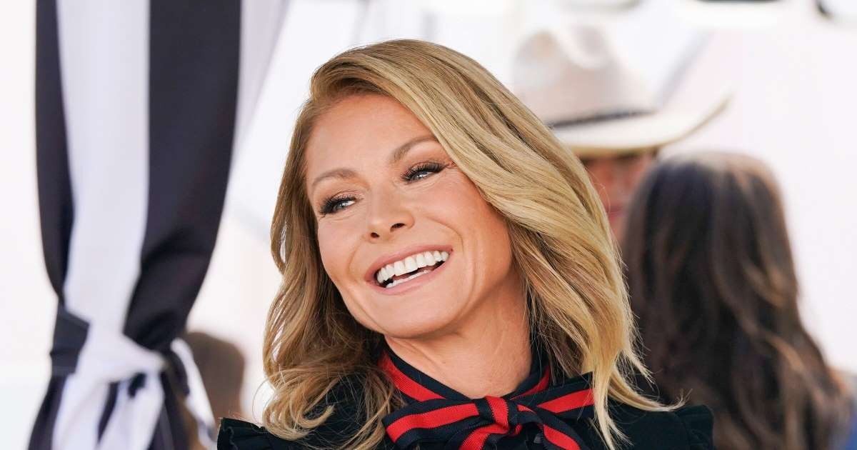 Kelly Ripa's Trick for Hiding Her Grey Roots Is Genius