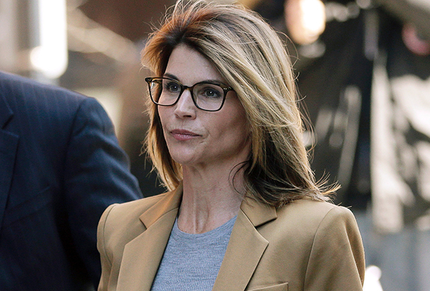 Lori Loughlin, Mossimo Giannelli to plead accountable in college admissions scandal
